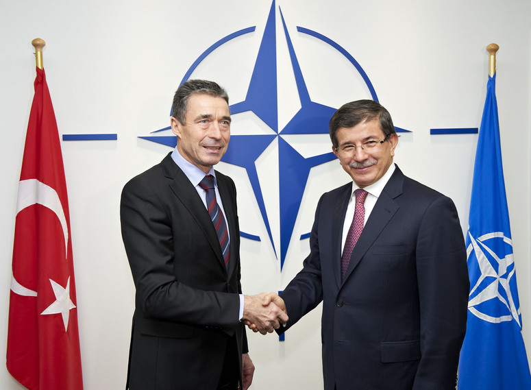 Visit to NATO by the Minister of Foreign Affairs of Turkey